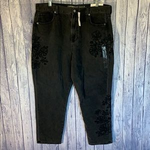 NWTAEO Black Floral Embroidery High Waist Mom Jean